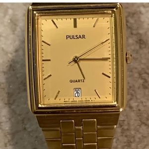 Nice Pulsar Gold Tone Rectangular Date Dress Watch